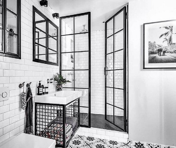 banheiro com preto