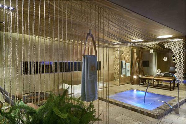 sala de banho luxuosa