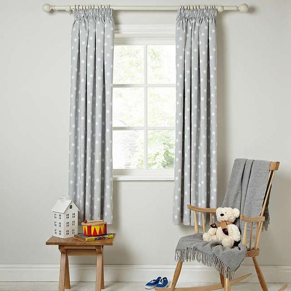 cortina clara infantil