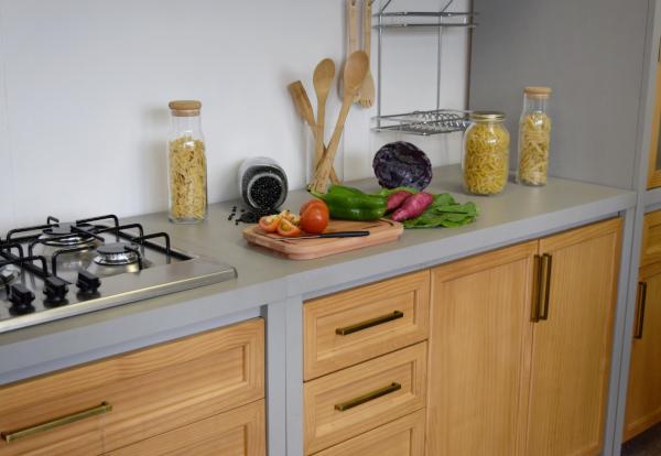 módulos de cozinha em madeira