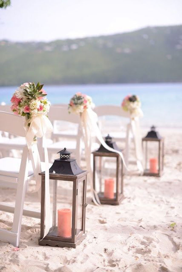 living coral na decoração de casamento na praia