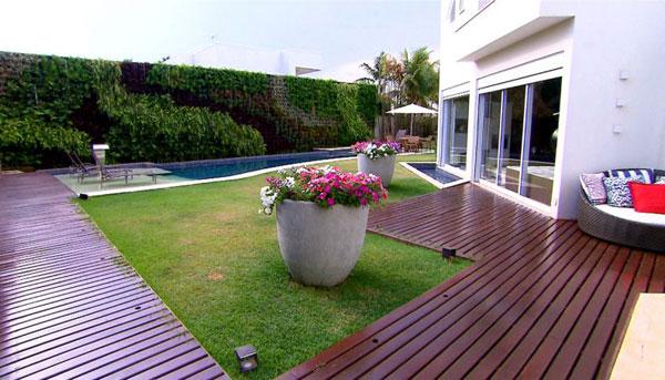piscina e deck na decoração