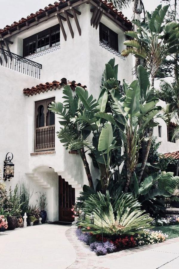 jardim estilo espanhol