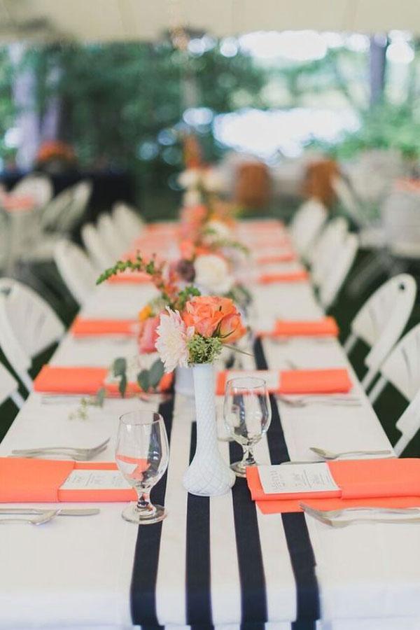 decoração de casamento azul e coral