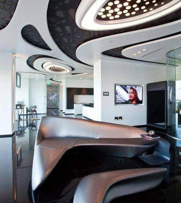 sofá com estilo futurista