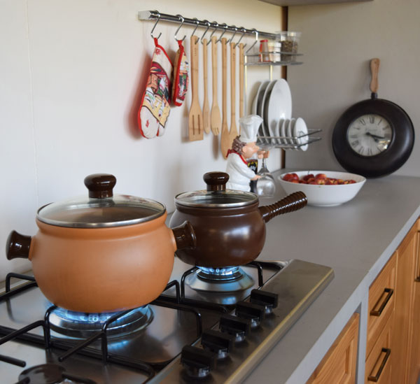 fogão cooktop na cozinha