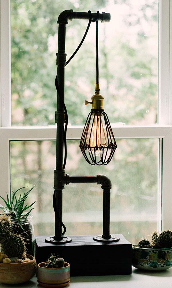 luminária de tubo de metal