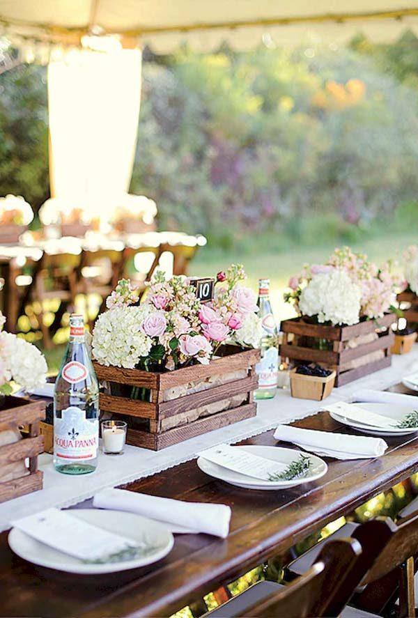 decoração de festa com caixote de madeira