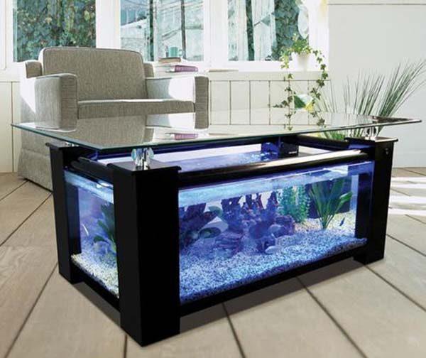 mobília com aquário embutido
