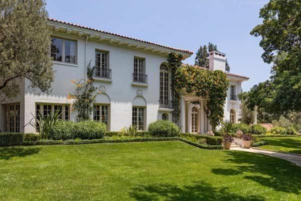 mansão da Angelina Jolie