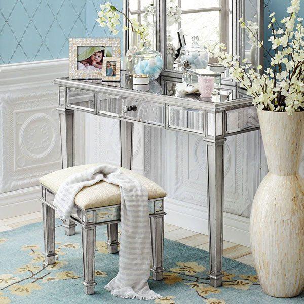 mobília prata na decoração