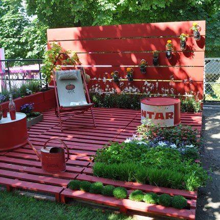 paletes no jardim