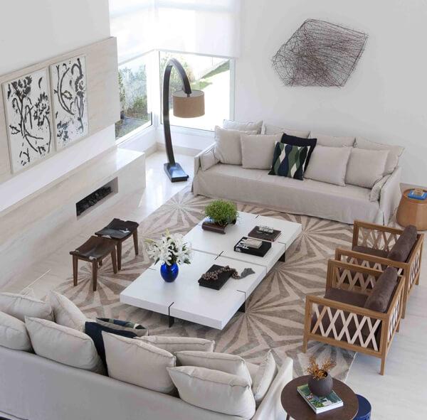 sala de estar com cores neutras