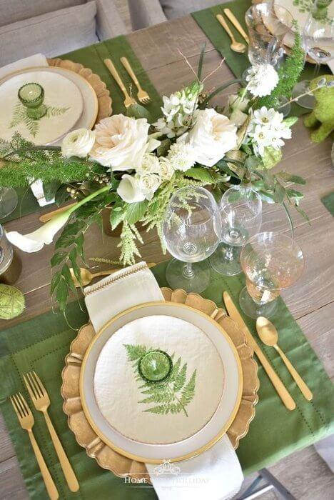 mesa decorada para receber