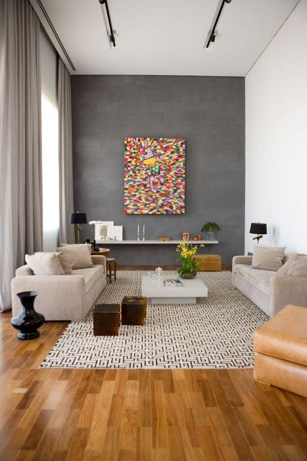 madeira e cores neutras na decoração
