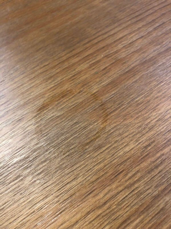 Mancha na madeira