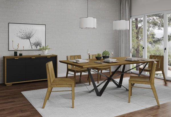 Móveis de madeira na sala de jantar